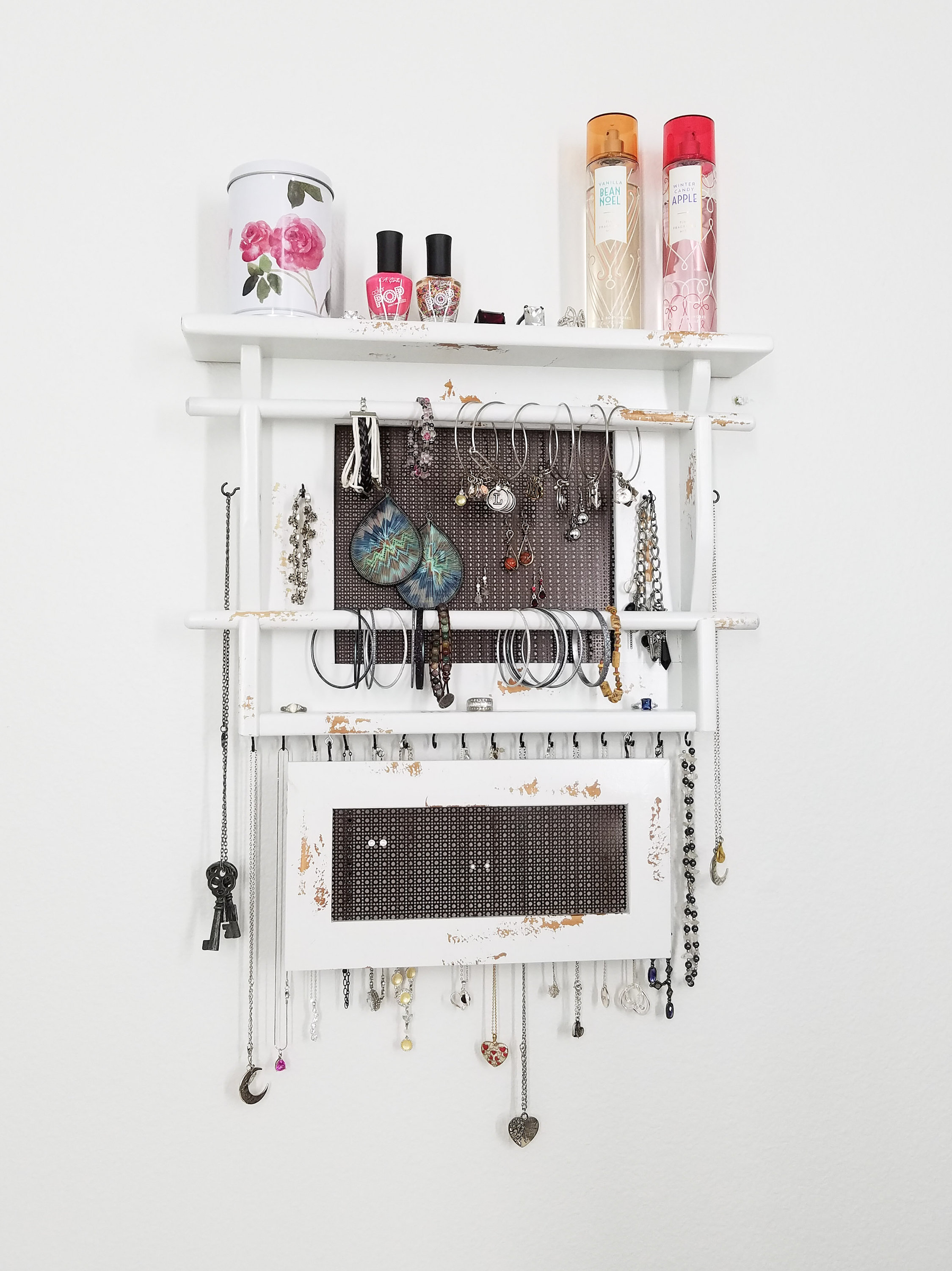 10 Jewelry Organizers So You Never Have Tangled Jewelry