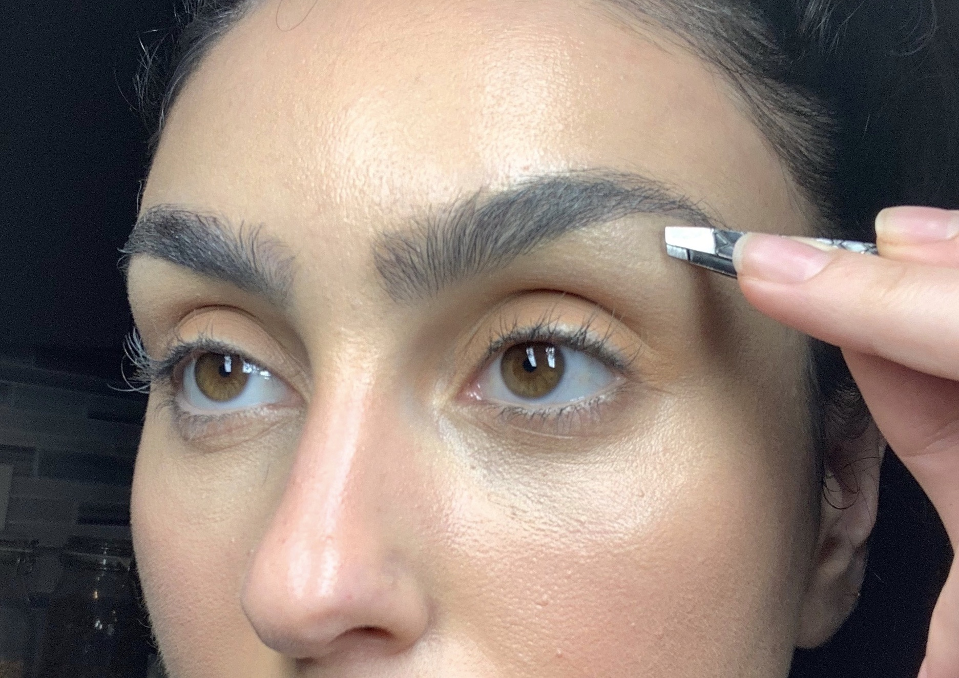 How to Groom Your Eyebrows at Home, According to a Pro ...
